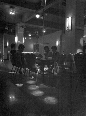 这是汕头目前唯一的一家同性恋酒吧。